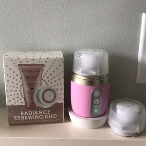 Clarisonic Mia Fit with brush heads
